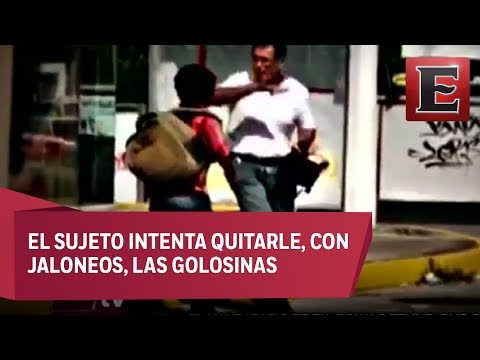 Funcionario de Veracruz maltrata a niño vendedor de dulces