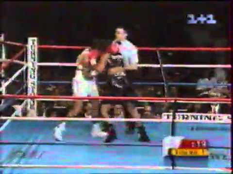 Laila Ali vs  Jacqui Frazier Lyde