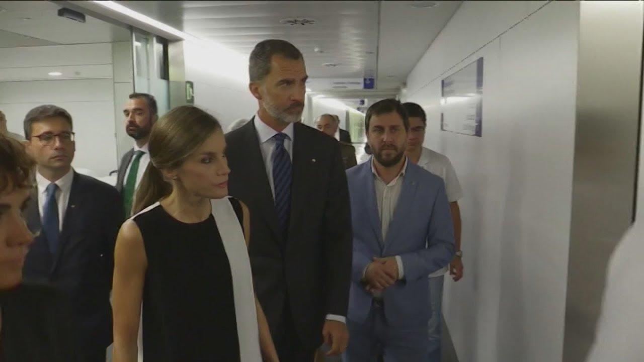 Το βασιλικό ζεύγος της Ισπανίας επισκέφθηκε τους τραυματίες από την επίθεση στην Βαρκελώνη