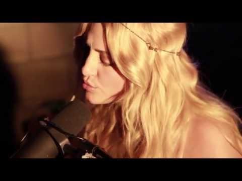 Tekst piosenki Cassie Scerbo - XO po polsku