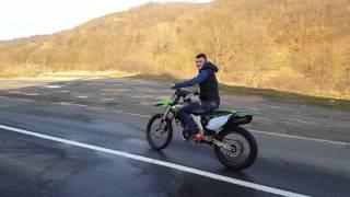 4. Kawasaki KX450F 2011 Wheelie