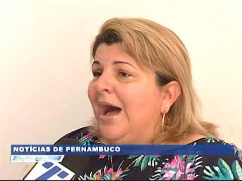 [BRASIL URGENTE PE] Casal tem carro tomado de assalto na porta de casa, em Olinda