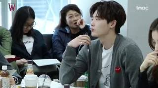 Video Script reading 'W' LeeJongSuk HanHyoJoo MP3, 3GP, MP4, WEBM, AVI, FLV April 2018