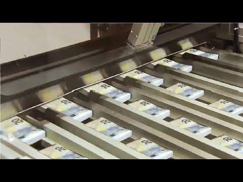 العرب اليوم - تعرف على أسرار طباعة النقود بالألات التكنولوجية