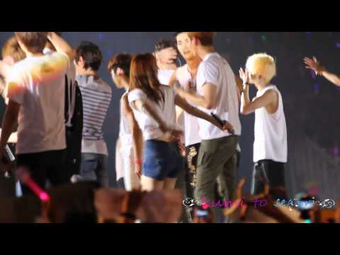20120922 SMTown in Jakarta ending (видео)