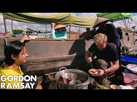 Gordon Ramsay Learns How To Prepare Vietnamese Soup | Gordon's Great Escape - Thời lượng: 6:31.