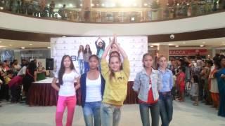 Bishkek Kyrgyzstan  City pictures : Indian dance in Bishkek, Kyrgyzstan.