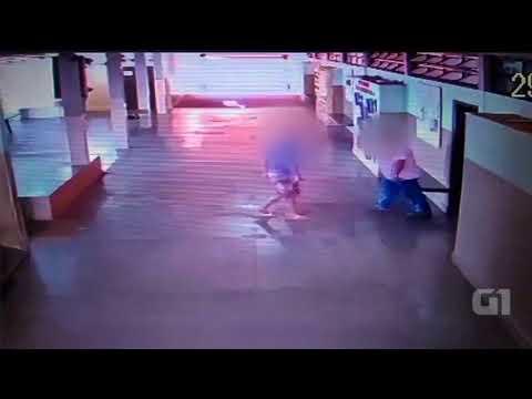 Pontalinda - Aluno agride inspetor de escola com voadora em Pontalinda; vídeo