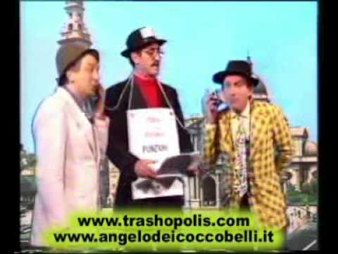 I Coccobelli, la messa e la cacca