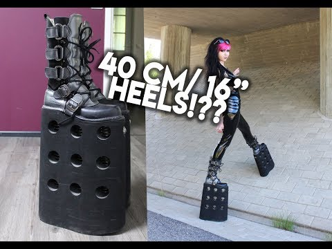 WALKING IN 40CM HIGH SHOES ?!? WTF