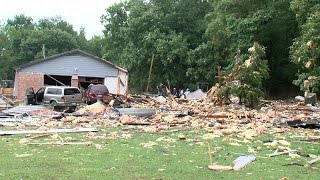 Tahlequah (OK) United States  city photos gallery : 1 person is dead after house explodes in Tahlequah, Oklahoma