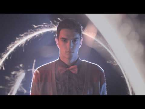 Video   Pull And Bear – The Xmas 2009/10 Collection
