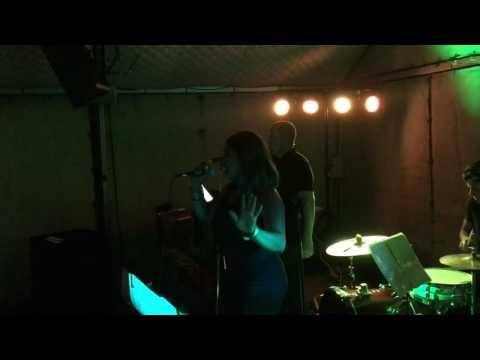 Amy Winehouse - Valerie - Cover by MGB feat. Eva Davenport (видео)