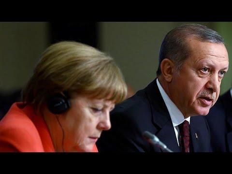 Κωνσταντινούπολη: Συνάντηση Ερντογάν – Μέρκελ για προσφυγικό και βίζα