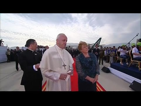 العرب اليوم - بالفيديو: البابا فرانسيس في تشيلي لتحسين صورة الكنيسة