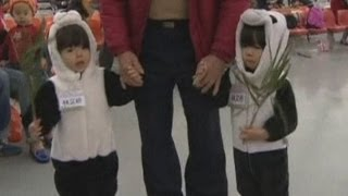 Hundreds of twins gather at convention in Taiwan