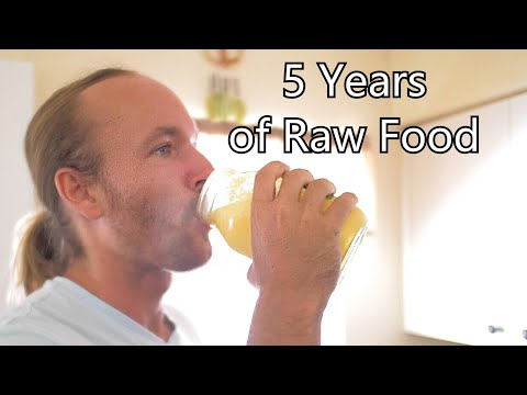5 Years of Eating Only Raw Food / What I Eat in a Day