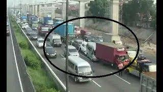 Video TKP - Kecelakaan Beruntun Tol Bekasi MP3, 3GP, MP4, WEBM, AVI, FLV Agustus 2018
