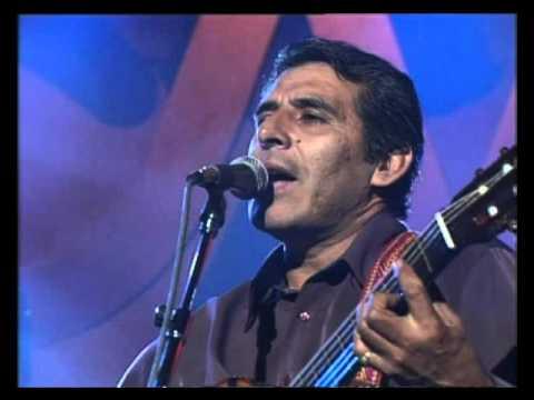 Peteco Carabajal video Canción para luchar - CM Vivo 2002
