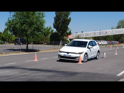 Volkswagen Golf 8 - Test del alce