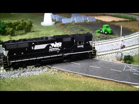 Review: Athearn GP38-2 DC/DCC Tsunami Sound