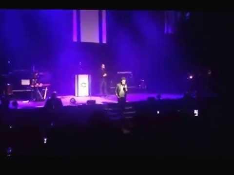 """Amir (The Voice) chante Yéroushalaïm Shel Zaav"""" pour fêter Yom Haatsmaout"""