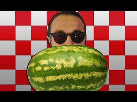 Karpuz nasıl küp küp kesilir? (How to cut a watermelon into cubes)