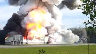 official: explosion firework warehouse entrepot feu d'artifice canada 20 june 2013