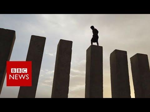 Yemen's ancient city where people escape civil war - BBC News