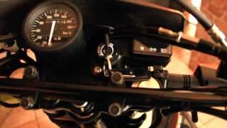 9. Motocicleta Suzuki DR650 SE 2014 en español.