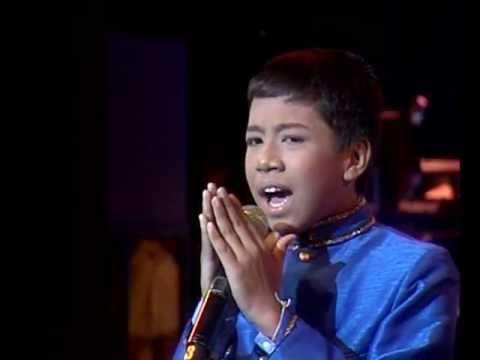 น้องบิว - ชนะเลิศ นักร้องชาย เพลงไทยลูกทุ่ง Bangkok Music Award 6 ก.ค. 54 @ Centerpoint Playhouse CentralWorld.