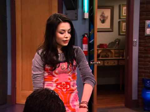 "ICarly: ""iSaved Your Life: ISmooch"""