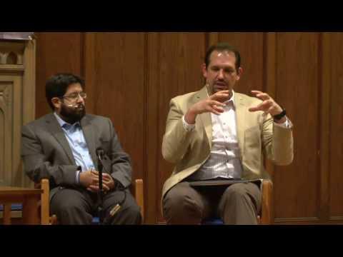 Who is God? A Dialogue between a Muslim & a Christian. (Vinay Khetia, Abdu Murray)