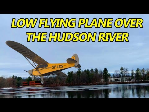 Low Flying Plane Over The Hudson!