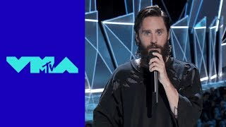Video Jared Leto Pays Tribute to Linkin Park's Chester Bennington | MTV MP3, 3GP, MP4, WEBM, AVI, FLV Januari 2018