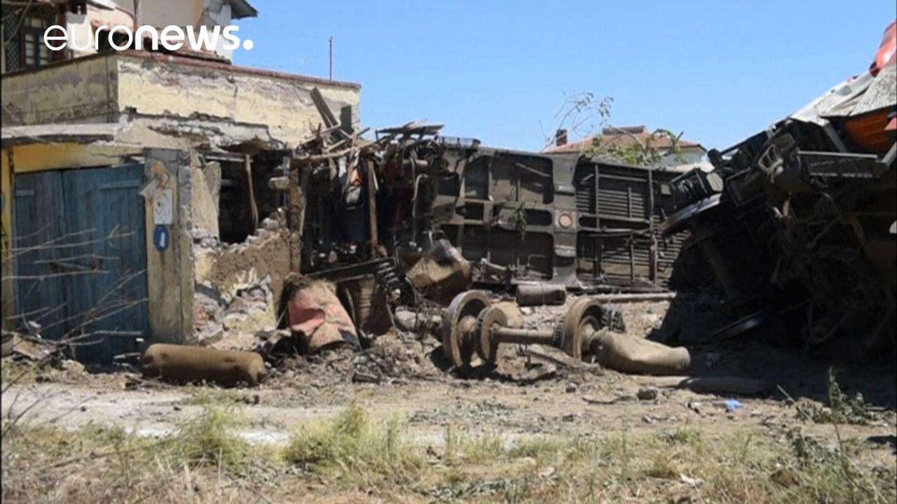 Ελλάδα: Τρεις οι νεκροί από το σιδηροδρομικό δυστύχημα
