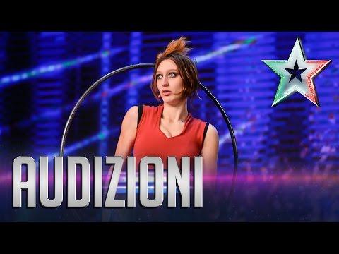 I cerchi surreali di Marianna | Italia's Got Talent 2015