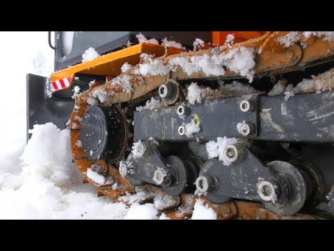 RC ICE ROAD RESCUE! BIG RC TIPPER CRASH AT THE ICE ROAD! KOMATSU HD 605 RESCUE ACTION! COOL RC TOYS