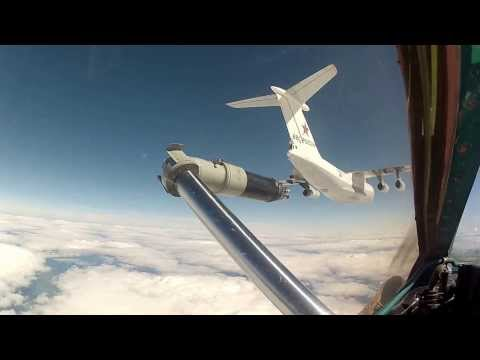 Дозаправка МиГ-31 с порванным конусом....