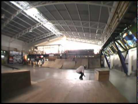 Mena en el skatepark