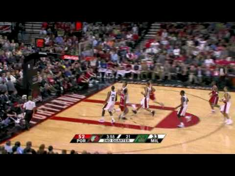 LaMarcus Aldridge and Andre Miller nice play