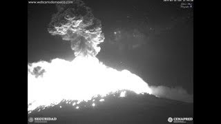 Most Dangerous Volcano In North America Mt Popocatepetl Just Erupted Shot Ash A Mile Into The Sky