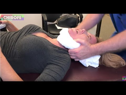 """Epic ring dinger"" - Chiropractor does his best to pull peoples spines out of their body."