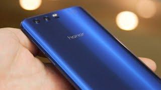 Honor 9 zapowiadał się przed premierą na tańszy i lepszy zamiennik Huawei'a P10. Czy po teście sprostał tym oczekiwaniom?Huawei Honor 9 jest dostępny w ofercie sieci Play: http://bit.ly/Play_Honor_9Zerknijcie do jednego z poprzednich odcinków, w opisie znajdziecie szczegóły konkursu, w którym można wygrać Lenovo Yoga 720: http://bit.ly/2vlgutS.Zostaw lajka i daj suba! http://bit.ly/sub_mobzillaDaj też suba Playowi! Play jest fajny :) http://bit.ly/sub_playZerknij też na fanpage'a Mobzilli - https://www.facebook.com/MobzillaShoworaz na mojego Twittera - https://twitter.com/mobzillatva jeśli chcesz kupić fajny smartfon, możesz go wybrać wraz z ofertą w sieci Play - http://www.play.pl/telefony/Telefony_mnp
