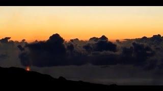Lever de soleil éruptif à l'île de la Réunion