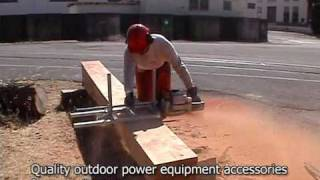 Showing Alaskan chainsaw mill in action
