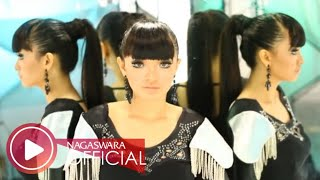 Zaskia Gotik - 1 Jam (Official Music Video NAGASWARA) #music