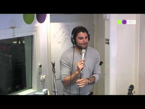 Xander de Buisonje - De Wereld Redden (live bij Evers Staat Op)