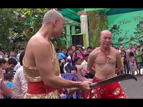VietNam Got talent Lý Bằng Dao chém vào bụng không đứt