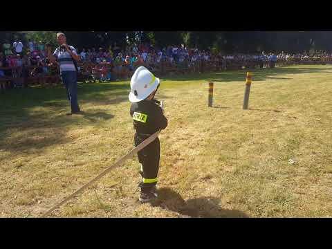 Wideo1: Pokaz Dziecięcej Drużyny Pożarniczej z Bielewa